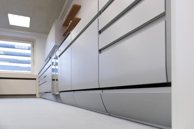 SieMaticMusterkche grifflose DesignKche im AluLook Ausstellungskche in Osnabrck von