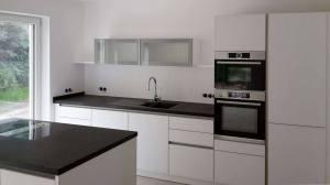 Mering Insel Küchenstudio Blank