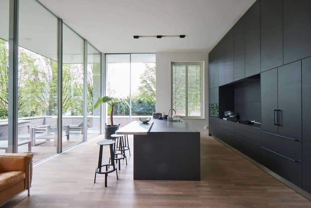 Epochale Kche in Hamburger Villa die perfekte Symmetrie