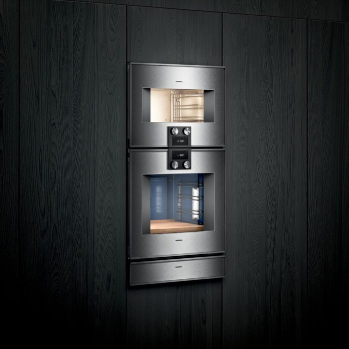 Highlights of the new Gaggenau 400 Generation steam ovens: a vacuum drawer for sous vide operations, a 3-point core temperature probe, a TFT touch display with intuitive cooking instructions and the automatic cleaning system with highly effective cartridge. (Photo: Gaggenau)