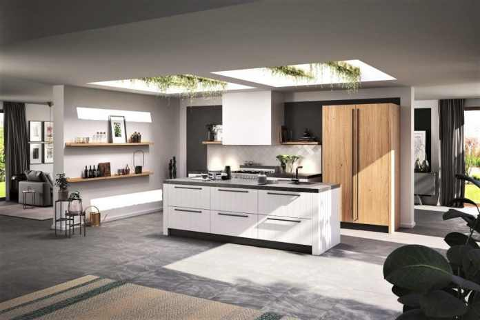 The kitchen manufacturer Rotpunkt relies on ecologically sustainable kitchens - this fits in well with the Scandinavian-modern country house style. (Photo: Rotpunkt)