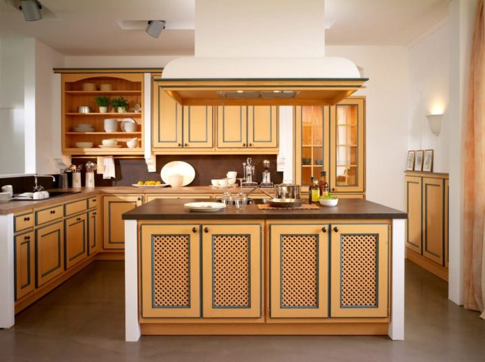 In the coming year, BAX celebrates its 130th anniversary. The manufactory has become known for its stylish country-style kitchens - meanwhile the company also manufactures new-modern architecture kitchens. (Photo: BAX)