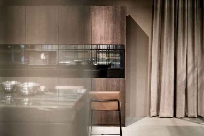 """In future, you should only have to have a look at your food from a distance: V-ZUG introduces a function with """"Soft roasting"""" that carries out the cooking process independently and completes it. (Photo: V-ZUG)"""