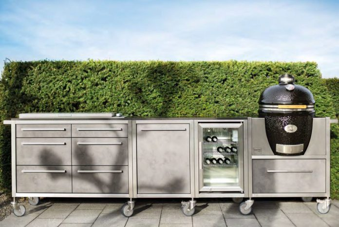 According to the manufacturer, the kitchens from BURNOUT are completely waterproof and do not need a cover all year round. (Photo: BURNOUT)