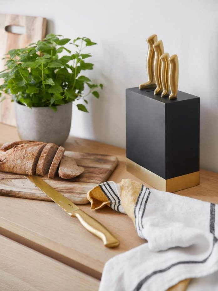 Gift ideas for the kitchen: The set includes: chef's knife, paring knife, carving knife, bread knife and utility knife.  (Photo: Westwing)