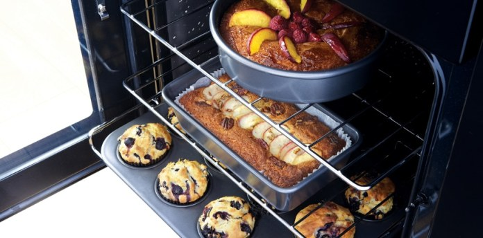Range cooker from Falcon: the convection oven offers space on four floors.  If that's not enough, there is a second multifunctional oven available.  (Photo: Falcon)