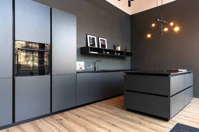 """Scavolini kitchens today: in the Berlin studio """"room and kitchen"""" can be planned locally or digitally throughout Germany.  (Photo: room and kitchen)"""