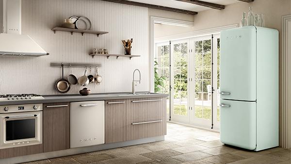 Smeg Retro Kühlschrank in Pastellgrün