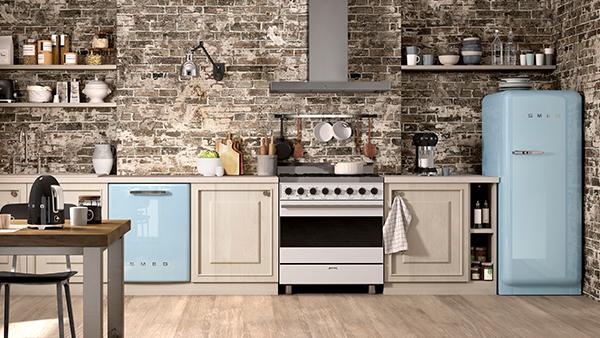 Smeg küchengeräte in pastellblau