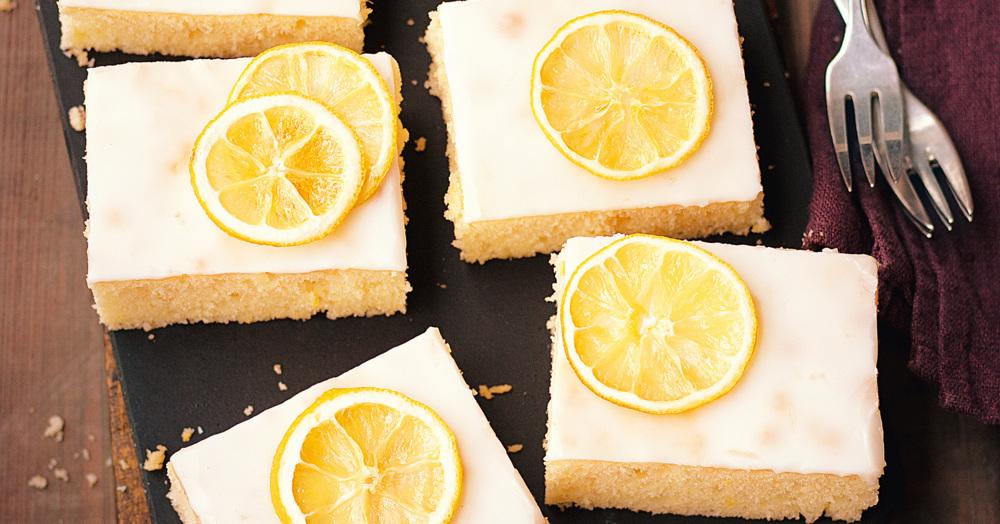 Zitronenkuchen Blechkuchen Rezept  Kchengtter
