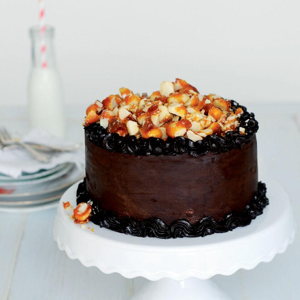 MacadamiaSchokoladenTorte mit Salzkaramell Rezept