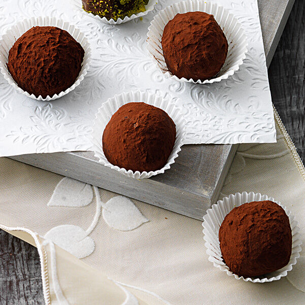 Schokoladentrffel mit Likr Rezept  Kchengtter
