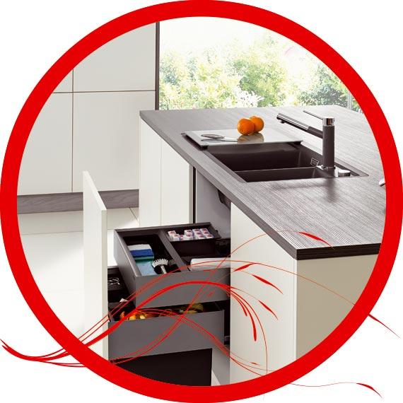 Küchenschränke müssen eine hohe Funktionalität bieten. In unseren Küchenstudio in der Limbacher Straße können Sie alles von Nahem besehen und ausprobieren.