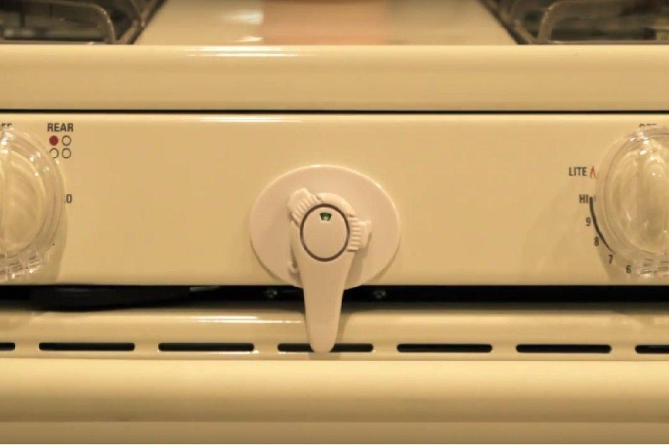 kindersichere küche herdabsicherung