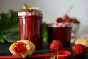 Erdbeere küsst Rhabarber – Marmelade