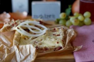 Stück Rheinischer Zwiebelkuchen