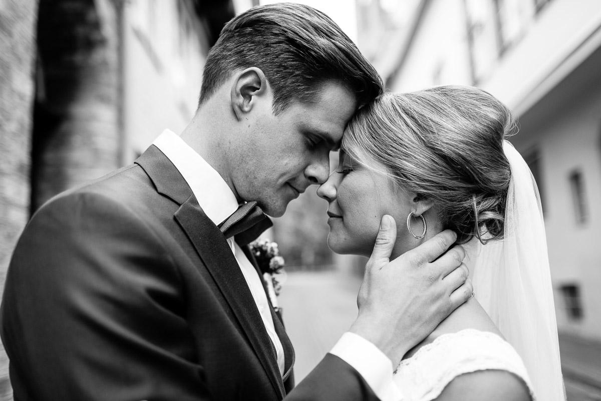 Hochzeit auf Gut Bliestorf Paarshooting