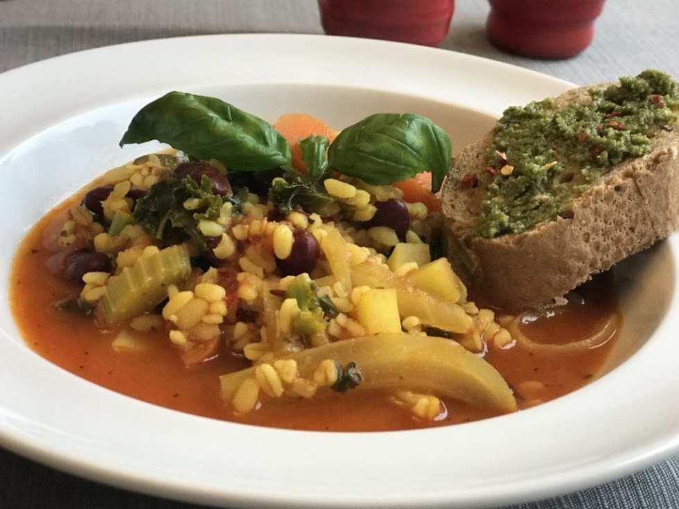 minestrone vegeterijanska supa