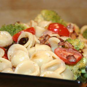 Salade d'orecchiette aux brocolis et pancetta