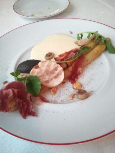 Asperge rôties, crème de parmesan, jambon ibérique & champignon