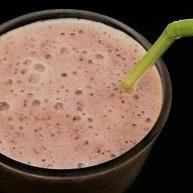 Milkshake banane framboises