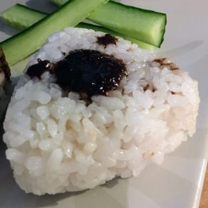 Onigiri au miso noir