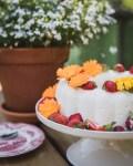Raparperi-jogurttijäädyke