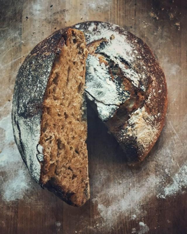 Hapanjuurileipä | leipä | leivonta | hapanjuuri | juureen leivottu