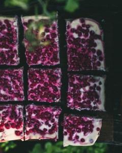 Punaherukkajuustokakku uunissa