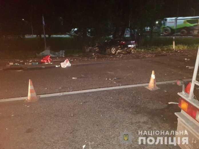 Поблизу Львова внаслідок зіткнення з вантажівкою загинув водій легковика