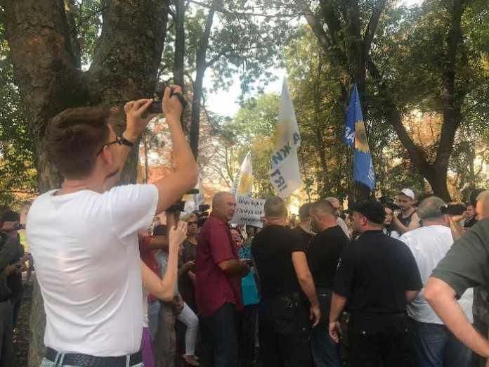 У Львові розігнали провокаторів, які спекулюють на економічній темі