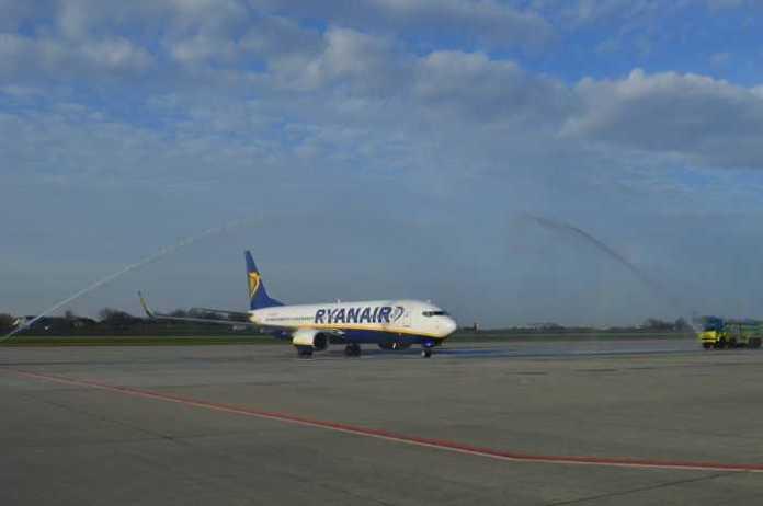 Лоукостер RYANAIR здійснив перший рейс до Львова