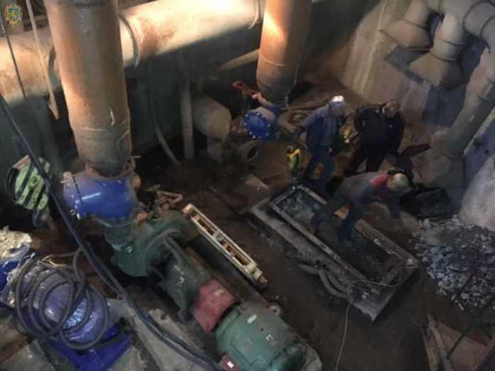 У Новояворівську триває реконструкція каналізаційної насосної станції
