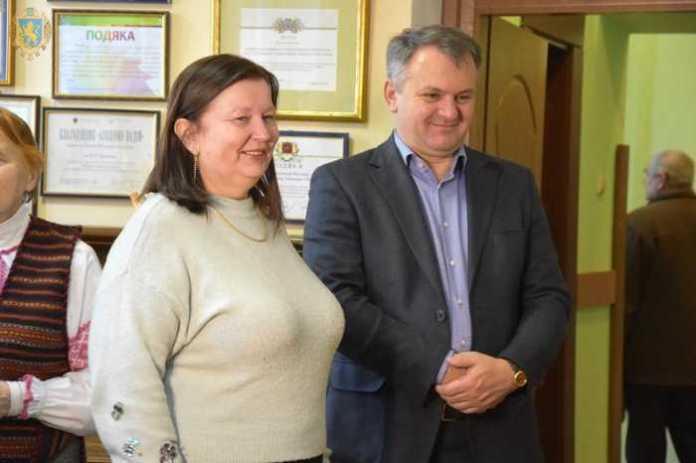 Новий рекорд: на Львівщині триває марафон читання «Кобзаря» шрифтом Брайля