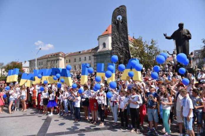 Працюємо, аби Львів став містом, в якому хочеться жити, - Синютка привітав львів'ян з Днем міста