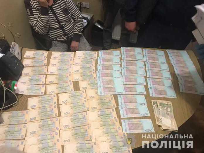 На Львівщині правоохоронці викрили депутата міської ради в одержанні хабара