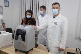 Львівському обласному госпіталю ветеранів війн та репресованих передали два мобільні кисневі концентратори