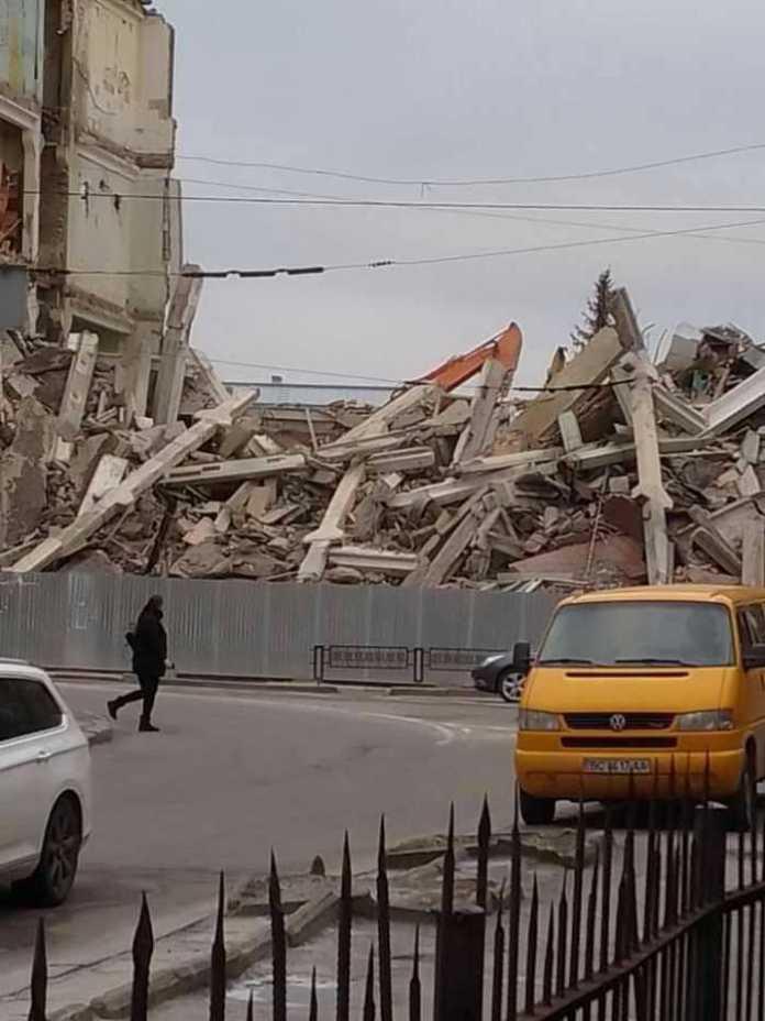 """У Львові знесли частину колишнього заводу """"Полярон"""". Фото: Варта1"""