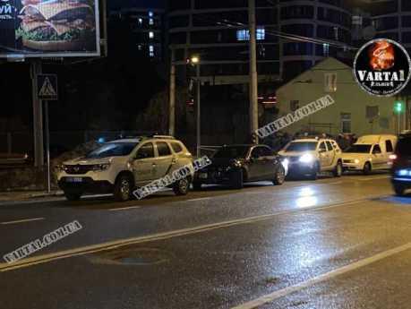 У Львові чоловік стріляв у поліцейських