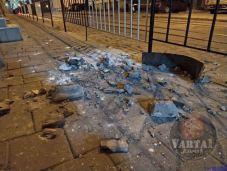 У Львові стався обвал парапету будинку, фото Варта-1