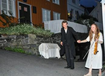 Foto - Per Eckholdt, KV 24NYHKittelsen Jeg så det glitre Karl Aarø og Annika Westgård avslutning_01-01-DSC_7617