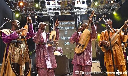 bessekou_kouyate_and_ngoni_ba