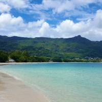 Am längsten Strand der Seychellen: Beau Vallon Beach