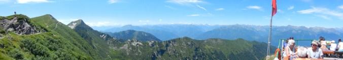 Das Panorama von der Capanna Tamaro