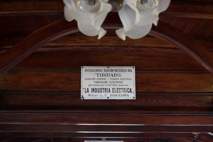 Nostalgisches Interior der Tramvia Blau in Barcelona