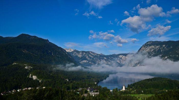 Великолепный пейзаж озера Бохинь.