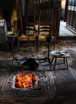 Hof Haake aus Cappeln, mit offener Feuerstelle im Museumsdorf Cloppenburg. Foto: Wera Wecker