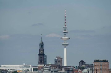 Ausblick auf den Michel und den Telemichel vom Energiebunker Wilhelmsburg