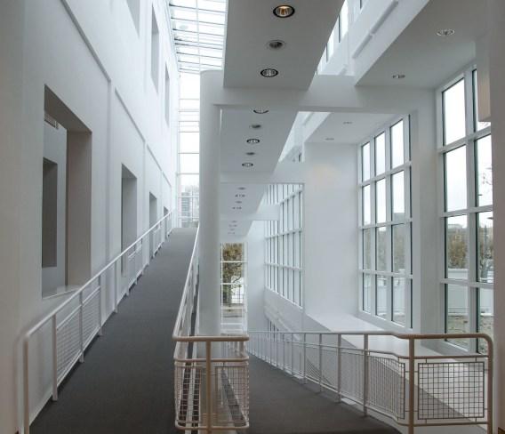 museum angewandte kunst Im inneren des Museums überzeugt das Konzept durch seine stringente Fortsetzung der äußeren Form.