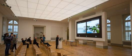 Die Barberini Smart Wall ist ein  3 x 5 Meter großer Monitor auf dem Objekte aus der Ausstellung Impressionismus genauer betrachten können.  Besonders schön sind die Gegenüberstellungen der Motive und des tatsächlichen Ortes heute.